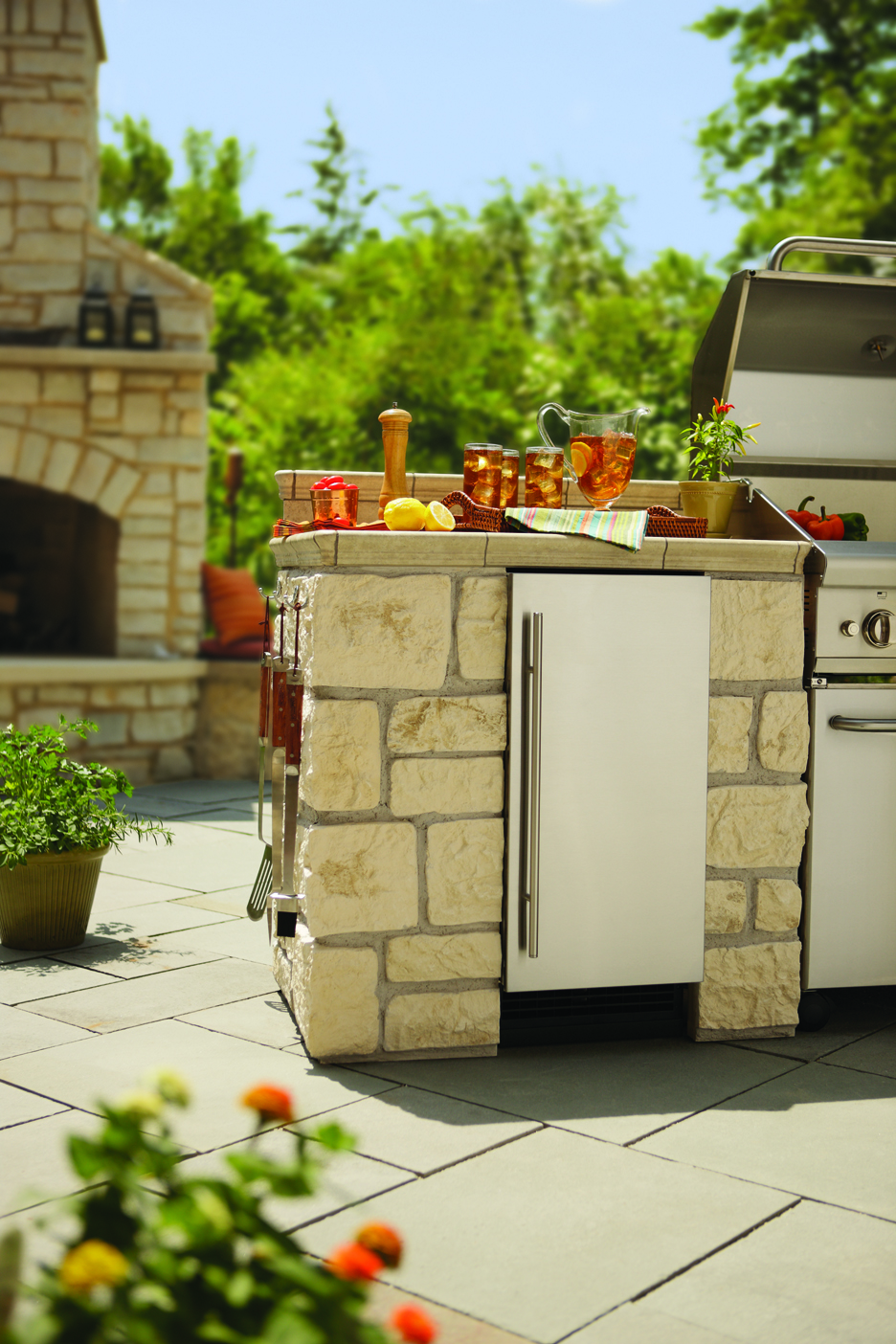 Outdoor Ice - Fireside Outdoor Kitchens