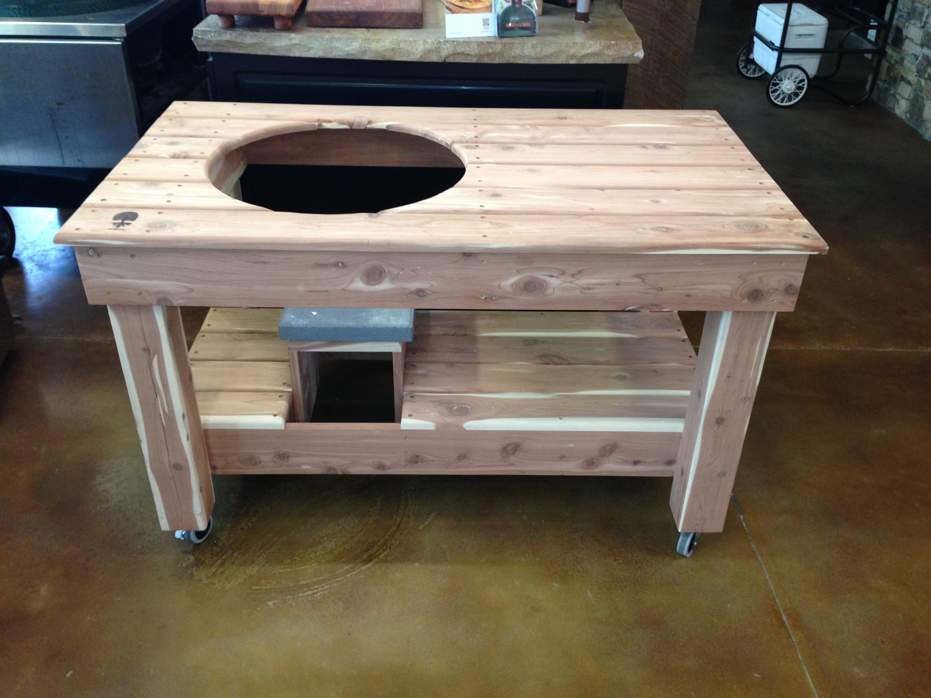 Taproot Grill Table Pt Pine